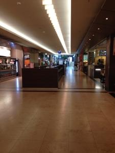 Fotografie zurm Festhalten der Atmosphäre eines leeren Kaufhauses